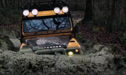 Compra un Defender Works V8 Trophy y podrás participar en el Land Rover Trophy